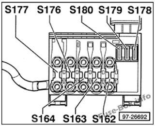 Under-hood fuse box diagram: Volkswagen Golf IV / Bora (1997-2004)