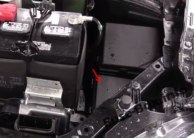 The location of the fuses in the engine compartment: Nissan X-Trail (2013-2018)