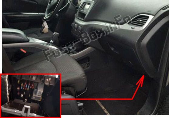 The location of the fuses in the passenger compartment: Fiat Freemont (2011, 2012, 2013, 2014, 2015, 2016)
