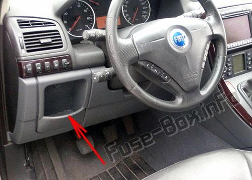 The location of the fuses in the passenger compartment: Fiat Croma (2005, 2006, 2007, 2008, 2009, 2010, 2011)